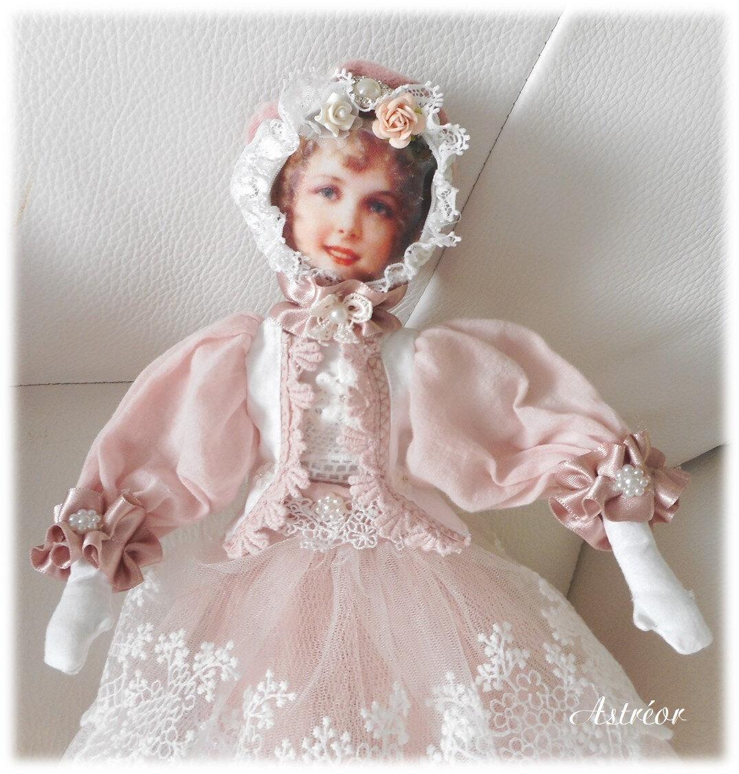 2018 2111 poupée Astreor2