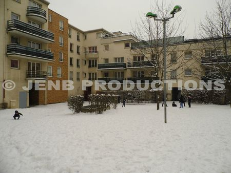 2013 01 20 Noisy-le-Sec sous la neige Place Marco Polo © JENB Productions (1)