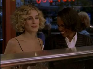 Sex and the City chez gloewen et scrat - Gray's Papaya - Chauffeur taxi Carrie