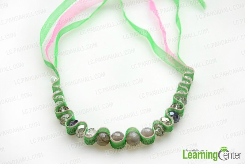 Ribbon-necklace-instructions-step1-2