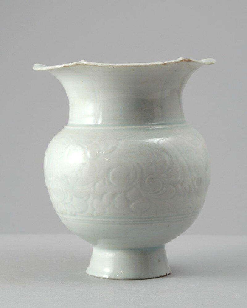 White ware vase with lobed rim and floral decoration, 12th - 13th century, Southern Song Dynasty (1127 - 1279)