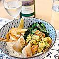 Donburi avocat-saumon, algues et radis - pinot luxembourgeois