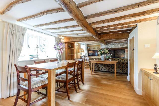 thatched-cottage-goals-dining-room-english-cottage