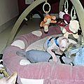 2009 06 Beth et biggles jouent ensemble