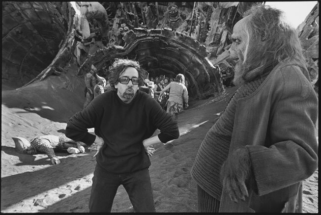 Tim Burton prepares for a scene with Paul Giamatti in his remake of Planet of the Apes 2001