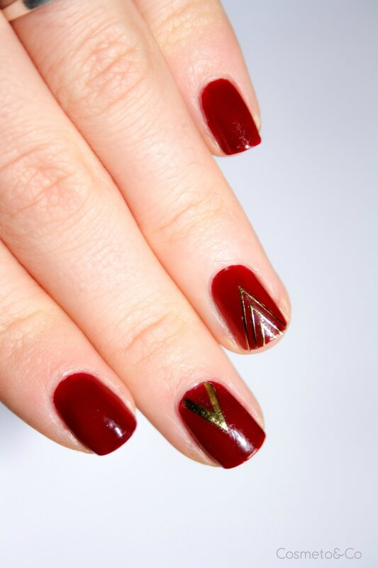 nail art Essie Bordeaux stickers triangle BornPretty-3