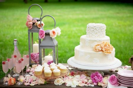Peach_Pink_Dessert_Table_600x400