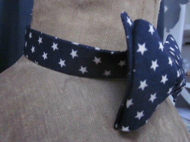 Véritable NOEUD PAPillon en coton marine parsemé de petites étoiles beige (2)