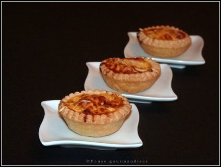 Mini quiches bacon oingons emmental (17)