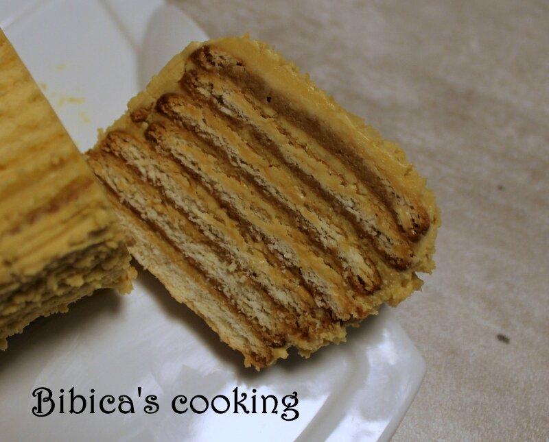 Gâteau de Petit Beurre à la crème au beurre noisette coupe gros plan