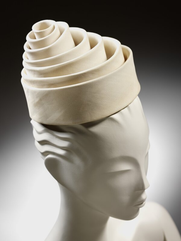 Spiral_hat_silk_Balenciaga_for_Eisa_Spain_1962__Victoria_and_Albert_Museum_London