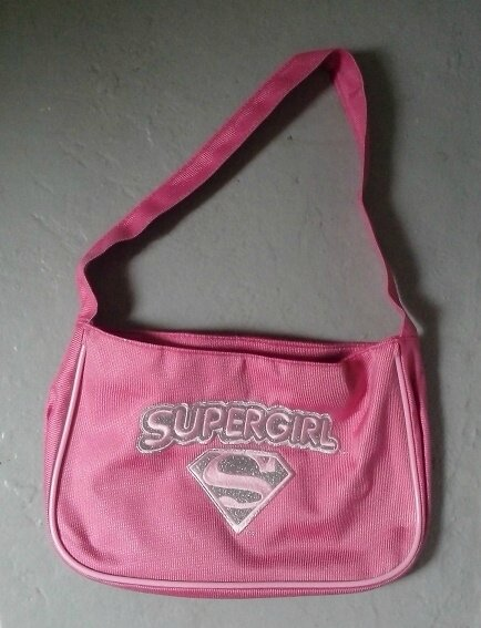"*Sac rose ""Supergirl"" pour super-héroïne"