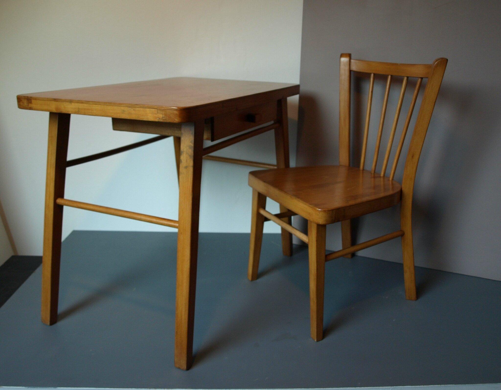 Ensemble petit bureau et chaise baumann assortie pour enfant