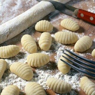 gnocchis-della-mamma-gnocchis-maison-a-base-de-pommes-de-terre_320x320
