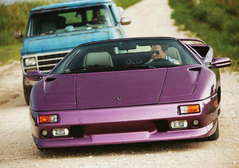 Mark Wahlberg dans la Lamborghini violette