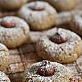 Biscuits noisette & purée de sésame noir