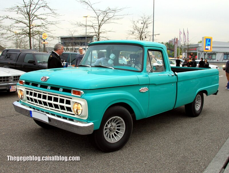 Ford F100 custom cab de 1965 (Rencard Burger King avril 2014) 01