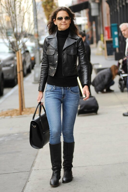 Katie-Holmes-in-Jeans-and-Boots--01
